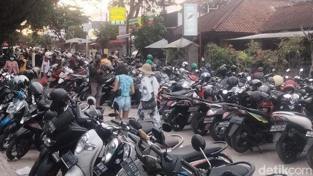 Pantai Sanur di Bali pada hari pertama cuti bersama, Rabu (28/11/2020).