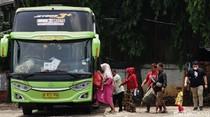 Pemudik Dadakan Serbu Terminal Pondok Pinang