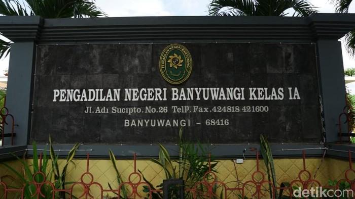 Pemkab Banyuwangi dengan Pengadilan Negeri setempat berkolaborasi di sektor pelayanan publik. Itu dilakukan untuk memudahkan warga.