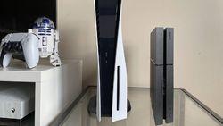 Penampakan PS5 yang Gede Banget Disandingkan PS4