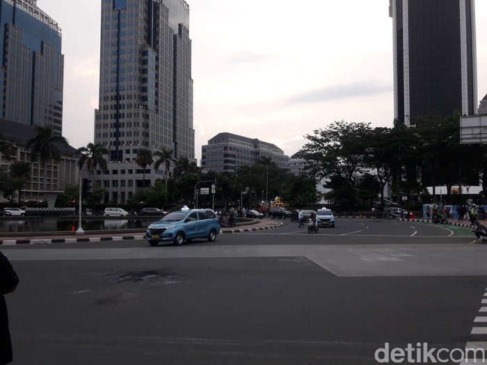 Situasi kawasan Patung Kuda, Jakarta pukul 17.30 WIB.
