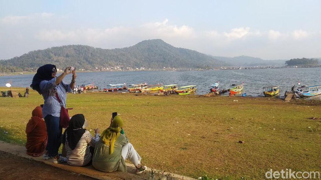 Tim Pemecah Kerumunan Bidik Pelancong di Tempat Wisata Kuningan