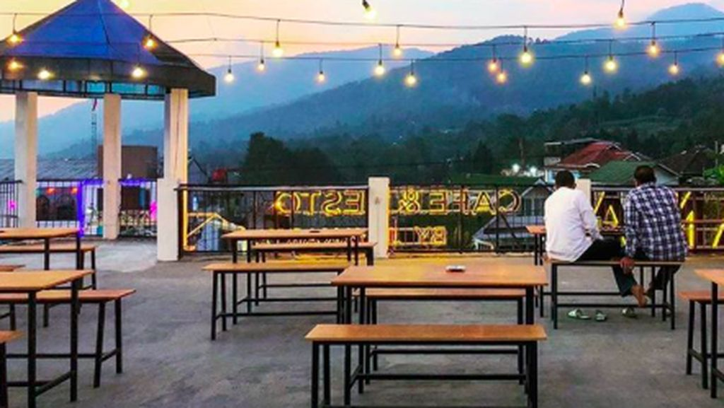 Asyik! 5 Resto Pemandangan Gunung di Puncak Ini Bisa Jadi Tempat Hangout