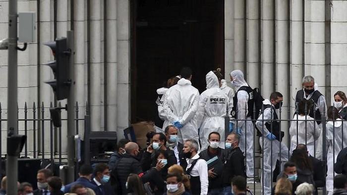 Aksi penusukan terjadi di sebuah gereja di Kota Nice, Prancis, menewaskan tiga orang. Aksi itu terjadi di area gereja basilika Notre-Dame.