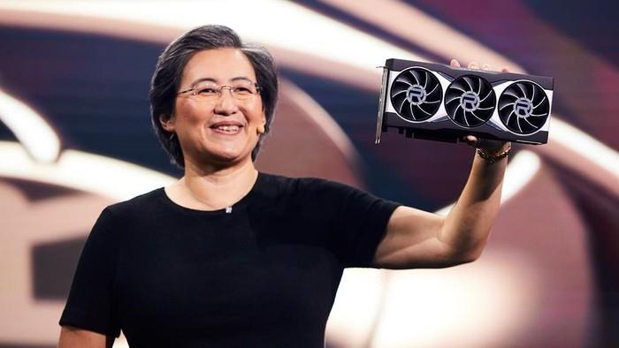 CEO AMD Lisa Su memamerkan GPU Radeon RX 6000 anyar.