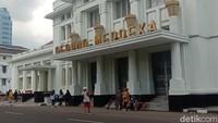 Gedung Merdeka yang jadi saksi bisu Konferensi Asia Afrika di Bandung. Kini jadi museum sekaligus tempat favorit wisatawan di Jalan Asia Afrika, Bandung (Wisma Putra/detikTravel)