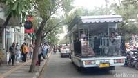 Bus Bandros juga menjadi favorit wisatawan untuk berwisata keliling Kota Kembang Bandung (Wisma Putra/detikTravel)
