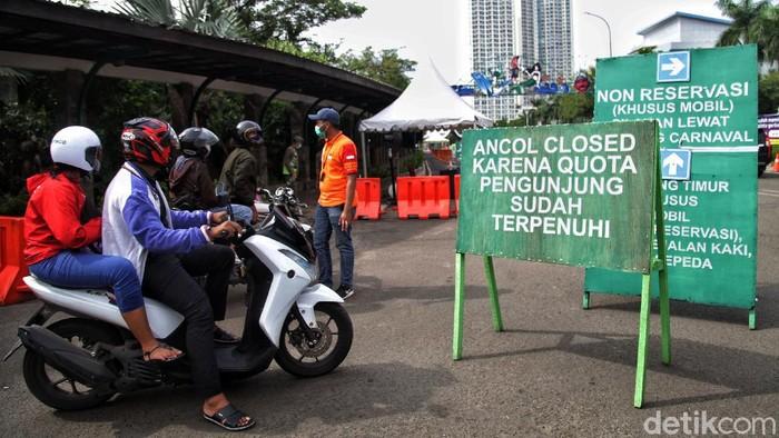 Di momen libur panjang seperti saat ini pihak Ancol terapkan sistem buka tutup. Hal itu dilakukan guna mencegah kepadatan pengunjung.