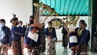 Perayaan Grebeg Maulud, Keraton Ngayogyakarta Bagikan Ribuan Uba Rampe