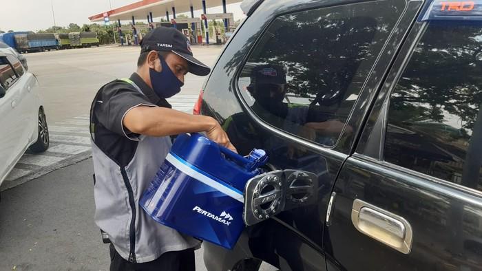 Konsumsi harian Pertamax Turbo (RON 98) di wilayah Banten, DKI Jakarta, dan Jawa Barat meningkat pada hari pertama libur panjang Maulid Nabi.