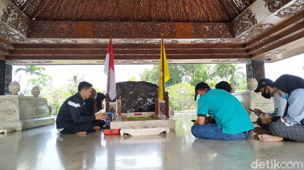Peziarah Makam Bung Karno Dibatasi Saat Long Weekend