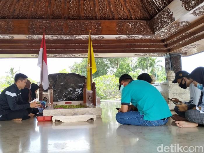 Libur Panjang,  Peziarah di Makam Bung Karno Dibatasi 50 Orang Didalam Cungkup