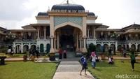 Libur Panjang Cuti Bersama, Begini Suasana di Objek Wisata Medan