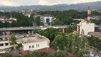 Melihat Bandung di atas ketinggian menjadi alternatif liburan di kala pandemi COVID-19. Bukan begitu, traveler? (Wisma Putra/detikTravel)