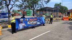 Operasi Zebra Jaya, Polres Pelabuhan Tanjung Priok Bagikan Masker
