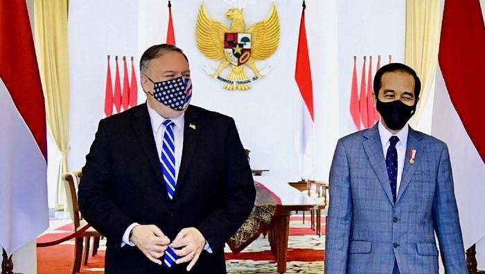 Menteri Luar Negeri Amerika Serikat Michael Richard Mike Pompeo kembali lakukan lawatan ke Indonesia. Ia pun disambut hangat Presiden Joko Widodo (Jokowi) di Istana Bogor.