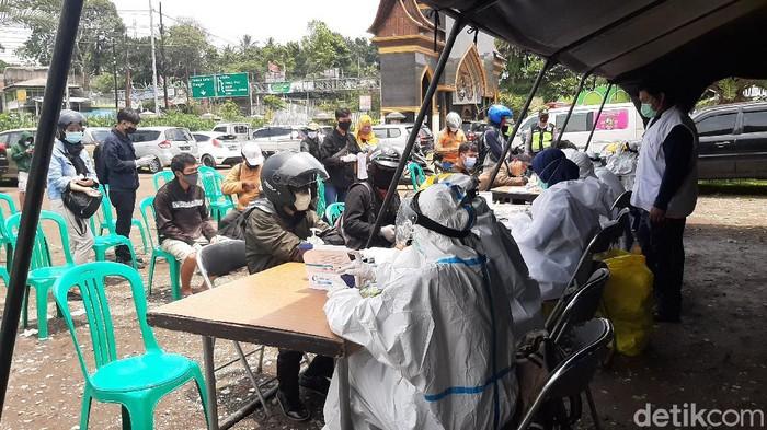 Rapid test massal di Puncak Bogor.