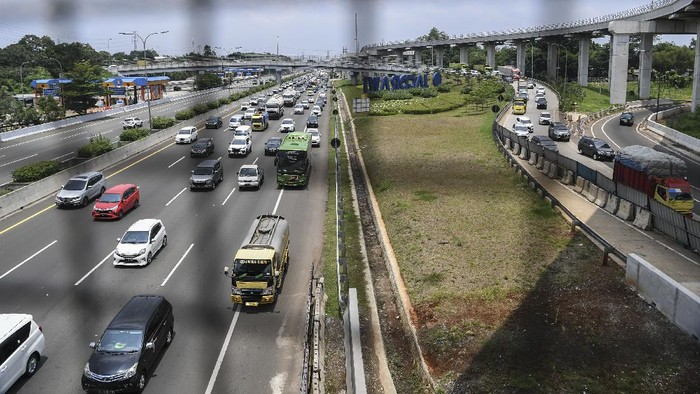 PT Jasa Marga (Persero) Tbk. catat 336.929 kendaraan telah tinggalkan Jakarta selama dua hari pada 27-28 Oktober 2020. Hal itu dipicu oleh momen libur panjang.