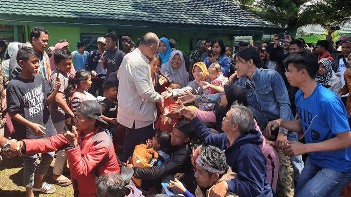 Sejumlah korban kerusuhan Wamena, Papua asal Pesisir Selatan, Sumatera Barat menyatakan dukungannya terhadap Calon Gubernur Sumatera Barat, Nasrul Abit.