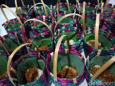 Mengenal Sejarah Tradisi Golok-golok Menthok di Kudus