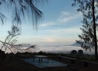 Adapun selain angkringan di atas awan, wisata tersebut memiliki beberapa paket wisata. Paket tersebut mulai dari Rp 35 ribu sampai Rp 185 ribu. (Dok Camping Ground Pinus Cuntel)