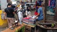 Cihampelas Bandung Ramai Diserbu Wisatawan