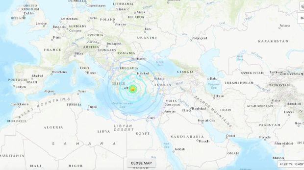 Titik pusat gempa M 7 yang mengguncang Turki dan Yunani.