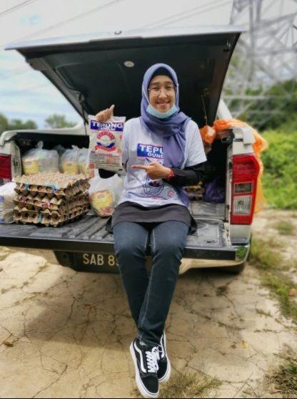 Guru di Malaysia Berikan Sembako Gratis untuk Murid Tak Mampu