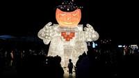 Halloween di Wuhan: Parade Mobil Hias dan Kostum Seram