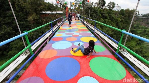 Jembatan tersebut tepatnya berada di Klakah, Selo, Boyolali, Jawa Tengah.
