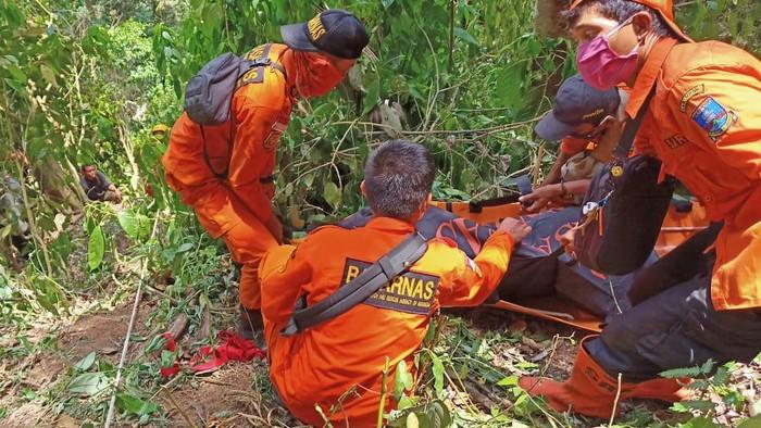 Kakek pikun yang hilang di hutan Kadu Bajo, Banten ditemukan tewas.