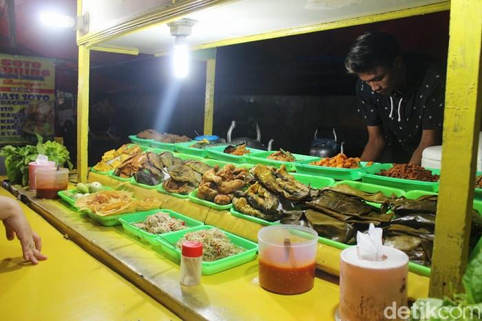 Kulineran Murah Warung Nasi Sunda Kaki Lima di Jalan Ciheuleut