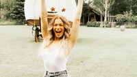 Foto: Penampilan Cantik LeAnn Rimes yang Selama Ini Rahasiakan Kondisi Kulit