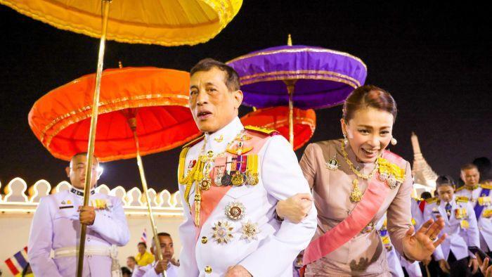 Mengapa Warga Thailand Berani Secara Terbuka Menentang Kekuasaan Raja?