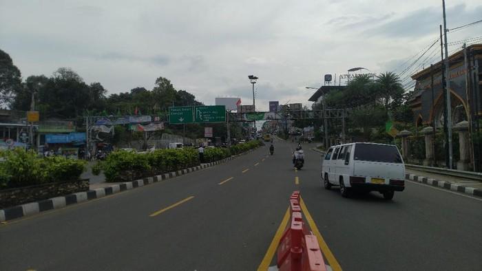 One way di Puncak Bogor pagi ini, Jumat (30/10). (Foto: Sachril/detikom)