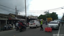 Kepadatan Terjadi di Simpang Megamendung Bogor Jumat Siang