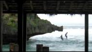 Nggak Nyangka! Ini Alasan 2 Wisatawan Terjun dari Tebing Pantai Gunungkidul