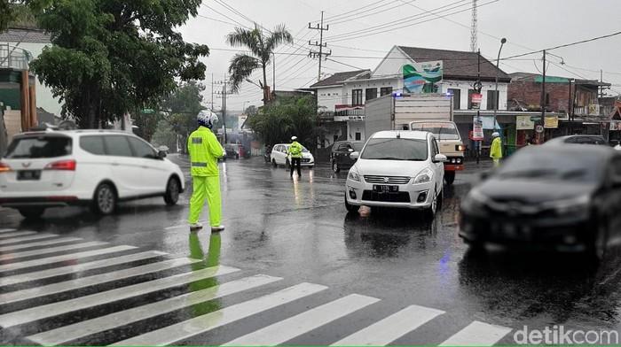 Arus lalin Kota Batu terjadi kepadatan menuju Kota Malang dan Karangploso