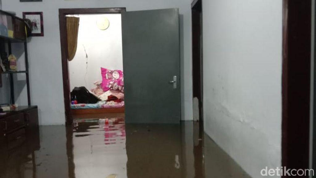 45 Rumah di Probolinggo Terendam Banjir Gegara Sungai Meluap