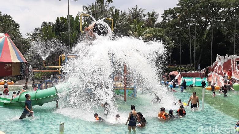 Libur Panjang, Wisata Air Di Bogor Dipenuhi Pengunjung