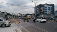 Insiden Saling Tabrak 2 Mobil di Jl Alternatif Cibubur Berakhir Damai