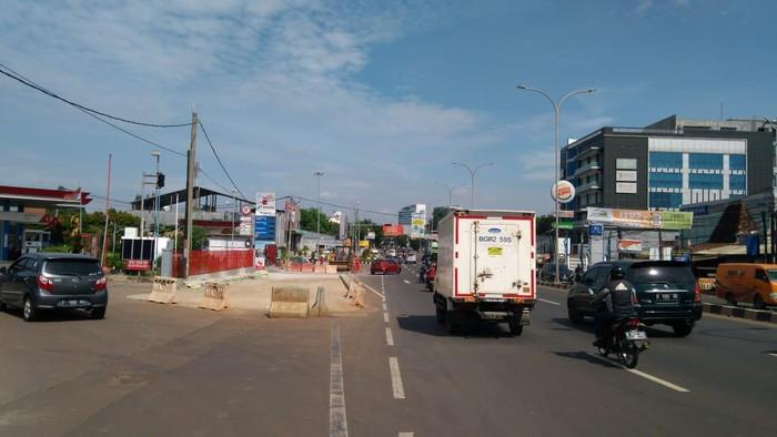 Lokasi mobil Fortuner Vs Vitara tabrak-tabrakan di Jl Raya Alternatif Cibubur-Cileungsi, Pondok Gede, Bekasi.