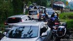 Banyak Kendaraan Nggak Kuat Nanjak saat Lintasi Punclut Arah Lembang
