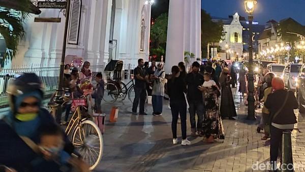 Kota Lama Semarang sama halnya dengan kota tua di Jakarta. Ada banyak bangunan kuno yang kerap dijadikan spot instagramable. (Angling Adhitya Purbaya/detikcom)