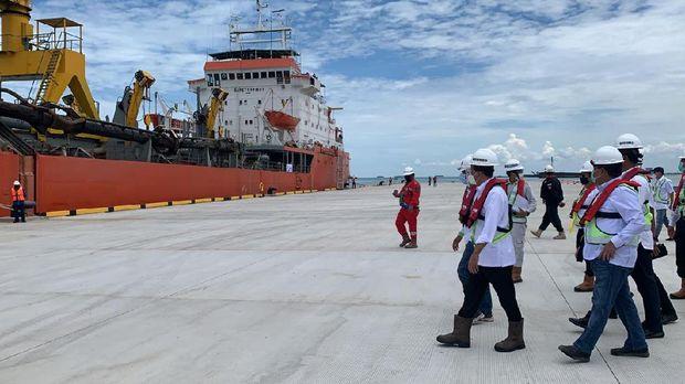 Menhub Budi Karya tinjau pembangunan pelabuhan Patimban