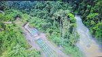 Selain Ruas Jalan, Warga Papua Kini Nikmati Lampu Tenaga Surya