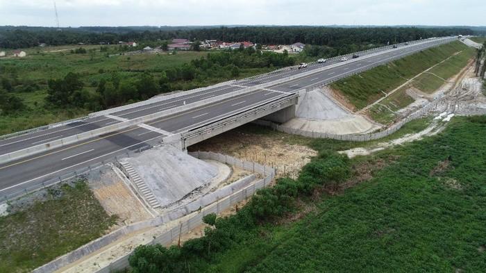 Pembangunan Tol Trans Sumatera terus berjalan. Tol ini dibangun dari Lampung hingga Aceh.