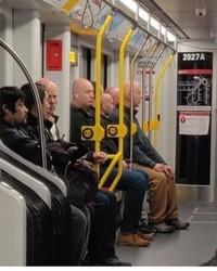 Kereta merupakan transportasi umum sahabat orang banyak. Di sini, ada banyak kisah menarik yang lumayan bisa terangkum dari foto-foto berikut.