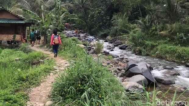 Treking di Sentul Bogor