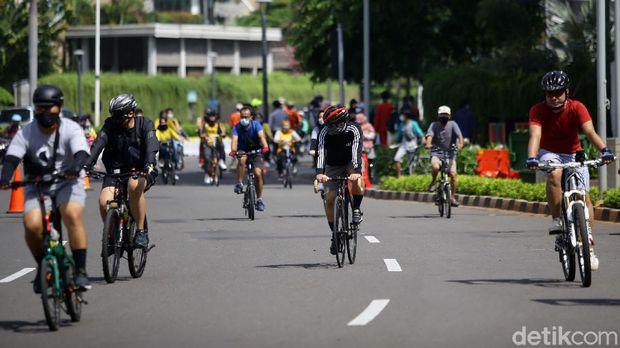 Kasus begal pesepeda saat ini sedang marak di Jakarta. Petugas Dinas Perhubungan (Dishub) pun disiagakan di jalur khusus sepeda Jalan Sudirman.